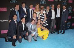 """Pin for Later: Les comédiens de """"The Fault in Our Stars"""" se sont tous retrouvés à l'avant-première du film à NY !  Les acteurs, scénaristes, réalisateurs et  producteurs du film ont posé tous ensemble."""