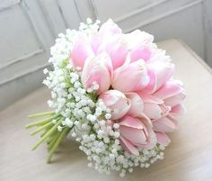 Pretty in pink - love this sweet bouquet. - - Pretty in pink – love this sweet bouquet. FLORAL ARRANGEMENTS Pretty in pink – love this sweet bouquet. Bridal Flowers, Flower Bouquet Wedding, Silk Flowers, Beautiful Flowers, Arte Floral, Bride Bouquets, Flower Boxes, Planting Flowers, Floral Arrangements
