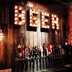 Beer Connoisseurs ♥ For the beer loving couple a bar like this will be sure to be a favorite for the guests @BlushEvents310 #beerdecor