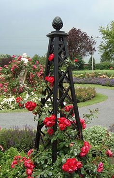Obelisk ~ I want one of these for my Morning Glories...wish I could find on locally and not have to order one!