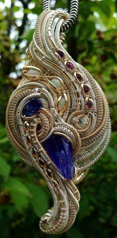©Chris Amann #wirewrap #jewelry #wirewrapjewelry