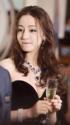 Chinese Actress, Sexy Asian Girls, Selena Gomez, Asian Beauty, Curves, Beautiful Women, Actresses, Celebrities, Lady