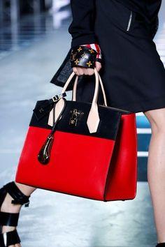 Sfilata Louis Vuitton Parigi - Collezioni Primavera Estate 2016 - Vogue