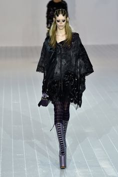 Pin for Later: Marc Jacobs's Autumn/Winter '16 Was Made For the Drama Queen in…