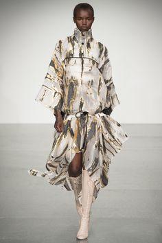 Antonio Berardi Spring 2018 Ready-to-Wear Fashion Show Collection: See the complete Antonio Berardi Spring 2018 Ready-to-Wear collection. Look 12