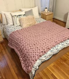 Items similar to Chunky giant knit blanket, Supe Choose Size, Pure Merino Throw, Huge Stitch, 21 microns on Etsy Knitted Pouf, Knitted Blankets, Merino Wool Blanket, Giant Knit Blanket, Chunky Blanket, Diy Room Decor, Bedroom Decor, Bedroom Ideas, Cosy Night In