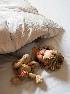 Vår sateng er steinvasket så du skal få sengetøy som er nesten like mykt som favorittbamsen. Velg mellom sengesett i fire ulike farger.