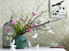 Üppig darf es auch im Frühling zugehen, jedocj sparen wir bei diesem ausladenden Strauß mit Farben.