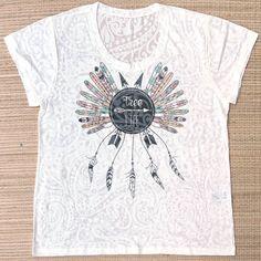 Camisetas! Novas e variadas estampas.  Corre lá! Chama a gente no whats e peça seu catálogo: 13982166299  #boho #modaetnica #liberdade