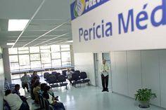 Sao Paulo - 11 agosto 2005 - Local: Posto do INSS no Ipiranga - Inicia hoje mudancas nos laudos de pericias medicas para usuarios da Previdencia Social. Uma das mudancas e o prazo de no maximo 2 anos recebendo o beneficio. ( Foto: Keiny Andrade/Folha Imagem - registro: snapfoto15 SP07765-2005 )