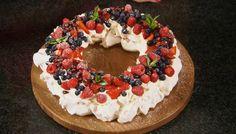 Mary Berry Christmas Pavlova Wreath Recipe