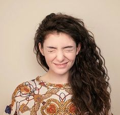 Lorde, beautiful, scrunched up face, waves, hair volume, style, music