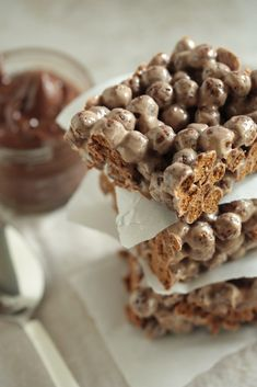 Nutella Rice Crispy Treats...no oven needed....definitely have to make these for the kids.