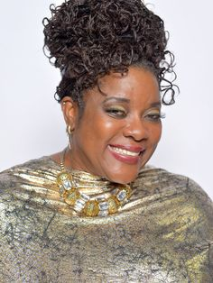 Loretta Devine Photos - Actress Loretta Devine poses for a portrait during the NAACP Image Awards at The Shrine Auditorium on February 2013 in Los Angeles, California. Black Actresses, Actors & Actresses, Loretta Devine, African American Culture, Coloured Girls, Boston Public, Black Gems, Hollywood, Movies