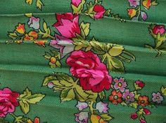 SALE 20% off Vintage ukrainian Romanian floral Woolen
