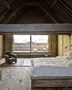 studiolowsheenTownhouse in Antwerp, Belgium by Boris Vervoordt.