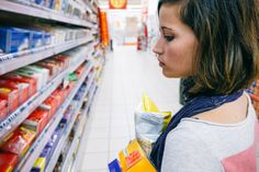 The grocery store staple a food poisoning expert says he would never, ever eat