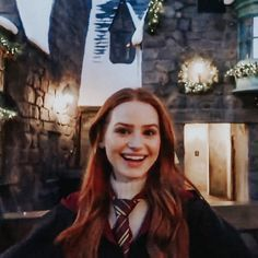 In Harry Potter world Cheryl Blossom Riverdale, Riverdale Cheryl, Riverdale Cast, Madelaine Petsch, Vanessa Morgan, Red Aesthetic, Aesthetic Photo, Girls Generation, Ginger Girls