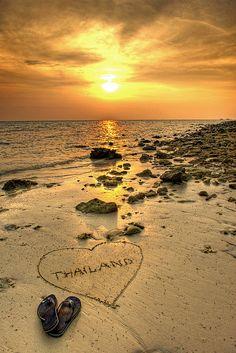 Laem Tong Beach, Koh Phi Phi, Thailand by Andy Bracey