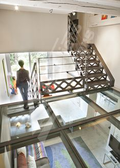 See through floor/ceiling Home Building Design, Building A House, House Design, Glass Stairs, Stairs Architecture, Staircase Railings, Container House Plans, Glass Floor, Industrial House