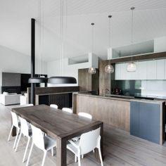 La Sentinelle is a minimalist design created by Canada-based designer naturehumaine.