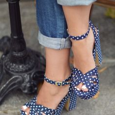 Women's Fashion High Heels : Lovely Polka-dots Platform Shoes Fall 2015 Collection - Pretty Shoes, Beautiful Shoes, Cute Shoes, Me Too Shoes, Zapatos Shoes, Shoes Heels, Pumps, Flats, Jeans Heels