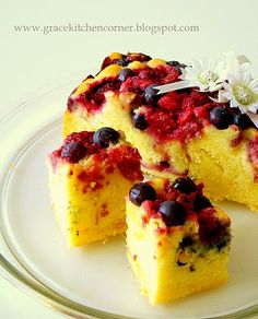 Kitchen Corner: Berries Butter Cake