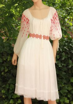 Cute Dresses, Casual Dresses, Dress Outfits, Fashion Dresses, Kurta Designs Women, Embroidered Clothes, Traditional Wedding, Chiffon Dress, Cold Shoulder Dress
