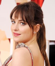 What You Really Need to Know Before Getting Bangs