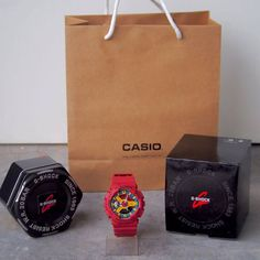 G-SHOCK COPY 1:1 ORIGINAL MEN LIMITED EDITION WATCH   MATERIAL : RUBBER Color : Refer Picture Grade : 2A Gender : MEN Condition : NEW With G-SHOCK BOX+ GSHOCK TIN BOX & CASIO PAPERBAG ( Complete Set)  =========================  Spec Ringkas :   🔰 2 Month Warranty 🔰 Grade 2A 🔰 Copy 1:1 Original 🔰 Cermin Jam Kaca ( Glasses ) 🔰 ALL FUNCTION 🔰 Date,Day & Light Berfungsi 🔰 Quality Rubber Material 🔰 Sangat Tahan Lasak 🔰 Very Limited Edition This Design 🔰 Analog & Digital Type 🔰 Latest…