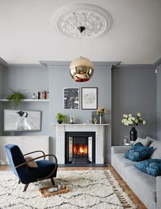 Gorgeous Grey Living Room Ideas And Inspiration is part of Contemporary Living Room Grey - From bright & airy Scandi style spaces to modern, edgy Rock 'n' Roll style dark and dramatic interiors, here are our favourite grey living room ideas Living Room Trends, Chic Living Room, Living Room Grey, Living Room Inspiration, Living Room Interior, Home Interior, Living Room Designs, London Living Room, Grey Living Room With Colour