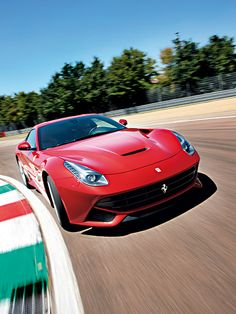 Ferrari F12 Berlinetta http://www.autorevue.at/best_of_test/modellvorstellung/ferrari-f12-berlinetta-test.html