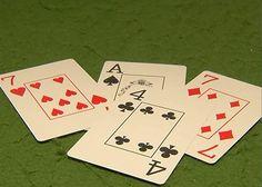 Como jogar truco. Truco é um jogo de cartas bastante popular que possui algumas variantes. Se você quer aprender a como jogar truco com as cartas do baralho tradicional, o umComo.com.br vai explicar as principais regra...