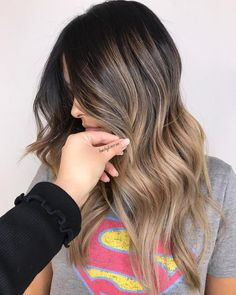 Shadow Root Hair: Low Maintenance Melted Looks Beige Balayage and Brunette Shadow Root Blonde Ombre Hair, Brown Ombre Hair, Ombre Hair Color, Hair Color Balayage, Beige Blonde Balayage, Beige Hair, Brunette Ombre, Brunette Highlights, Color Highlights