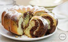 Babka Marmurkowa - przepis - Tapenda.pl Polish Recipes, Polish Food, Doughnut, Sweet Recipes, French Toast, Muffin, Cooking Recipes, Treats, Breakfast