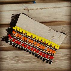 DIY bolso de mano etnico, madroños, flecos, medallas.