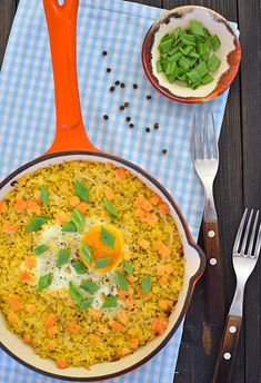 Pieczona jaglanka z jajkiem Curry, Lunch, Ethnic Recipes, Food, Curries, Eat Lunch, Eten, Meals, Diet