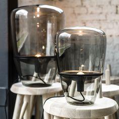 """Lampes """"Balloons"""" par Brokis, coupelle noire, verre fumé."""