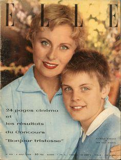 Michèle Morgan et son fils Mike  en couverture de Elle n°554 du 6 aout 1956 - - photo Lionel Kazan