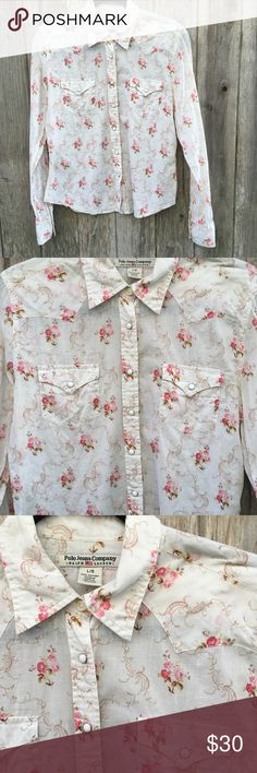 Polo Ralph Lauren Vintage Button Up Floral Shirt Polo Ralph Lauren Vintage Button Up Floral Shirt Size: Large  Thank you for looking and please check out the rest of my closet. ❤️ Polo by Ralph Lauren Tops Button Down Shirts