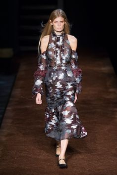 Pin for Later: Erdem Travels to a Very Pretty Prairie For Spring/Summer 2016 Erdem Spring/Summer 2016