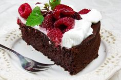 Kinder mliečny rez - rýchly a výborný koláčik bez múky! Russian Recipes, Beets, Food And Drink, Low Carb, Cooking Recipes, Cheesecake, Tasty, Petra, Anna