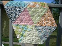 Lucy's Crab Shack runner...Want to do a whole quilt like this!
