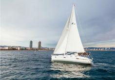 salidas desde el puerto de Barcelona para recorrer las costas del Garraf y ir a comer a Sitges.