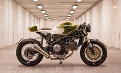 Ducati Cafe Racer KRIS'S M900 GREEN MACHINE #motorcycles #caferacer #motos | caferacerpasion.com