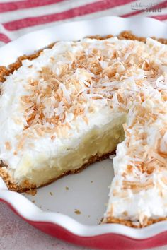 The Best Coconut Cream Pie (made from scratch). Graham cracker crust, creamy coconut custard and fluffy whipped cream. Coconut Cream Pie Filling Recipe, Best Coconut Cream Pie, Coconut Custard Pie, Cream Pie Recipes, Custard Cake, Coconut Cups, Graham Cracker Crust, Graham Crackers, Baking Recipes