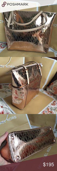 🌴Michael Kors Bag🌴 100% Authentic Michael Kors Tote Bag, brand new with Tag!😍😍😍Rose Gold color. Michael Kors Bags Totes