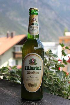 Cerveja Zillertal Weißbier Hell, estilo German Weizen, produzida por Zillertal Bier, Áustria. 5% ABV de álcool.
