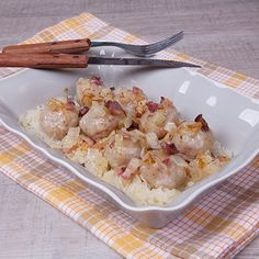 Recept pochádza z čias minulých. Pochádza z oblasti Gemera. Môžem zaručiť že je to veľmi chutný a sýty pokrm. Russian Recipes, Potato Salad, Cauliflower, Food And Drink, Potatoes, Pasta, Meals, Vegetables, Ethnic Recipes