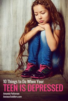 Do you have a depressed teen? Read this great tips from a therapist on how to help them.